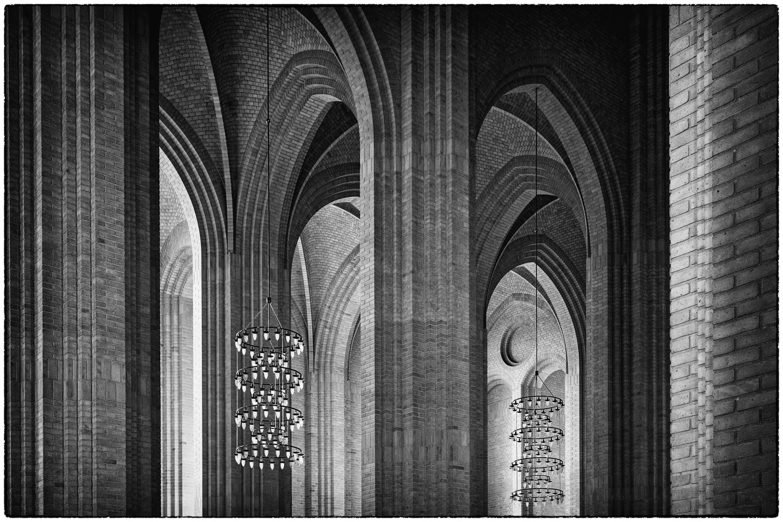 Grundtvigs-Kirke-1.jpg